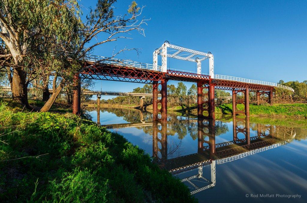 Old North Bourke Bridge over Darling River